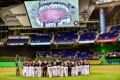 Miami Marlins top New York Mets in first game since Jose Fernandez's death