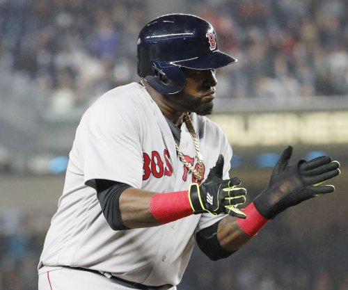 David Ortiz, Kris Bryant win Hank Aaron Awards