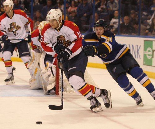 Florida Panthers F Aleksander Barkov expected to miss 2-3 weeks