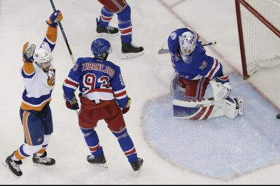 New York Islanders earn two crucial points with win vs. New York Rangers