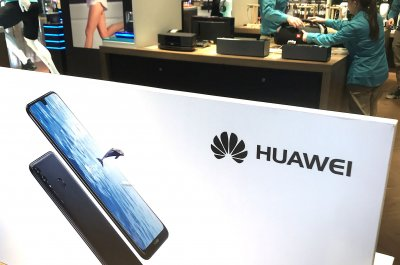 Britain's cybersecurity chiefs say Huawei risks can be 'managed'