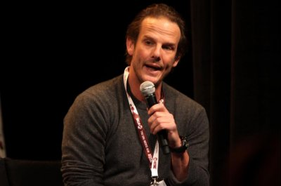 Peter Berg to direct Netflix drama about opioid crisis