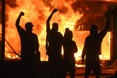 Illinois man charged with handing out 'bombs' during Minneapolis protests