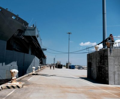 USS 'Woody' Williams pulls into Naples for logistics stop
