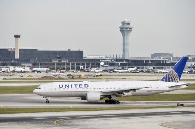 United pilots union votes to approve deal to stop furloughs