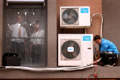 EPA finalizes rule for first time to place limits on global-warming HFCs