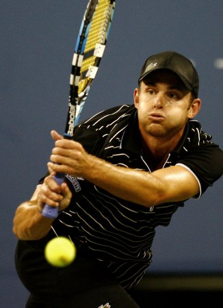 Roddick wins opener in Qatar