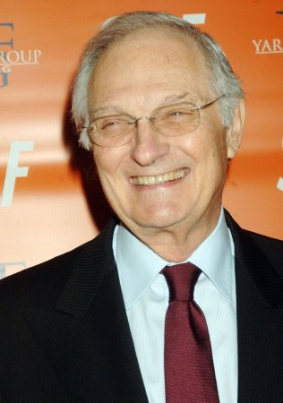 Alan Alda, Joe Mantegna to host telethon for veterans
