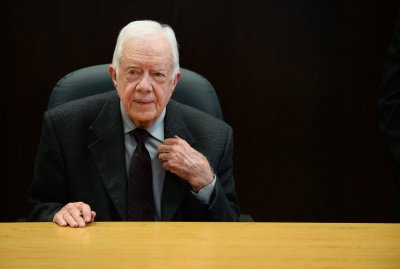 Jimmy Carter urges U.S. to recognize Hamas, condemns Israel in co-authored op-ed