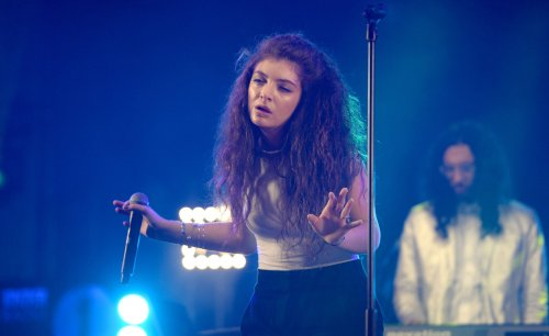 Lorde, One Direction and Fergie to perform at the American Music Awards
