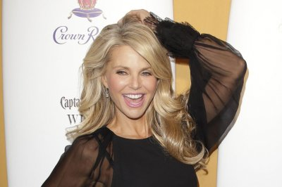 Christie Brinkley, John Mellencamp spotted again on date