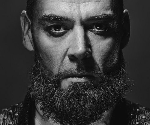 Marton Csokas says 'fusion' of martial arts and the post-apocalypse drew him to 'Into the Badlands'