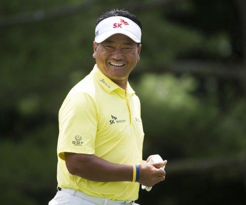 Gary Woodland, K.J. Choi share lead at PGA event