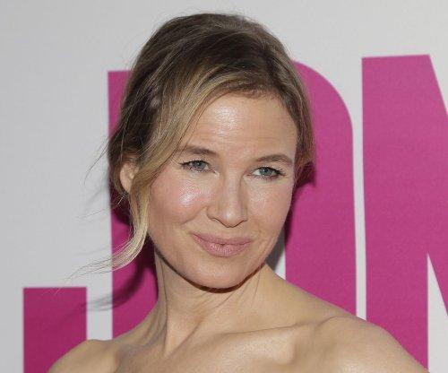 Renee Zellweger dazzles at 'Bridget Jones's Baby' premiere