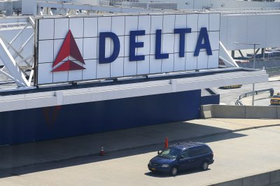 Delta unveils 10-year plan to become world's 1st carbon-neutral airline