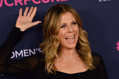 Rita Wilson tells Jimmy Kimmel she still has COVID-19 antibodies