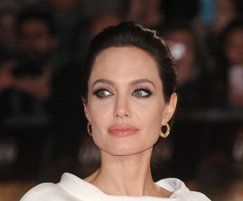 Angelina Jolie says she had her ovaries removed