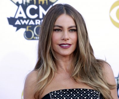 Sofia Vergara dresses up as Peg Bundy in Instagram post