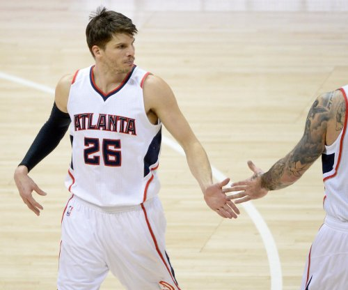 Hawks pull away from Pelicans late