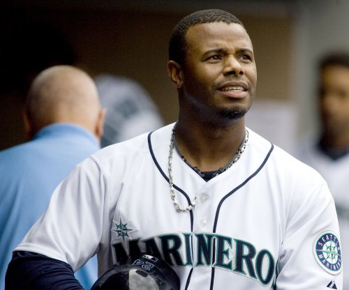 Seattle Mariners retire Ken Griffey Jr.'s number