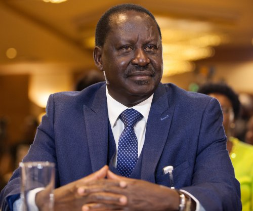 Kenyan court blocks TV shutdown over Odinga 'inauguration'