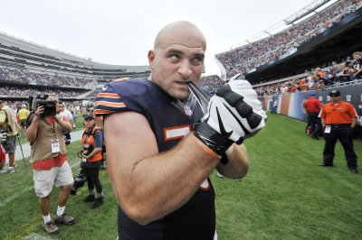 Chicago Bears G Kyle Long might be sidelined for a while