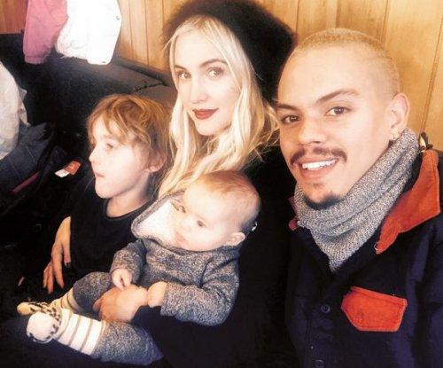 Ashlee Simpson, Evan Ross cozy up in new family photo