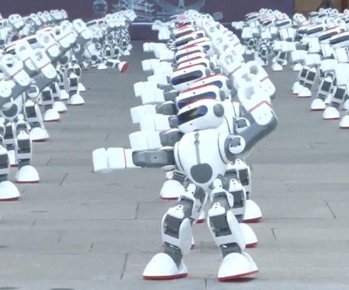 More than a thousand dancing robots break world record
