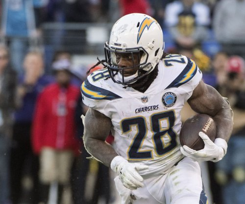 Chargers' Melvin Gordon says teammates back him in contract dispute