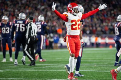 Chiefs win AFC West, end Patriots' 21-game home win streak