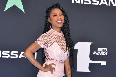 Gabrielle Dennis says working with Kim Fields was 'awesome treat'