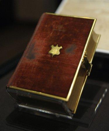 Service celebrates King James Bible