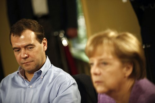 Medvedev supports investigation into alleged Syrian regime crimes