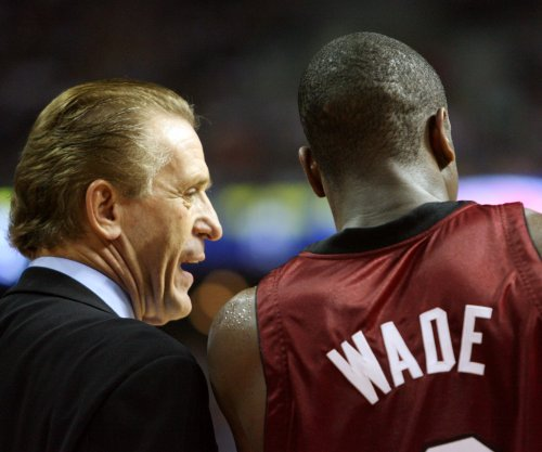 Miami Heat 'lifer' Dwyane Wade open to outside offers in free agency