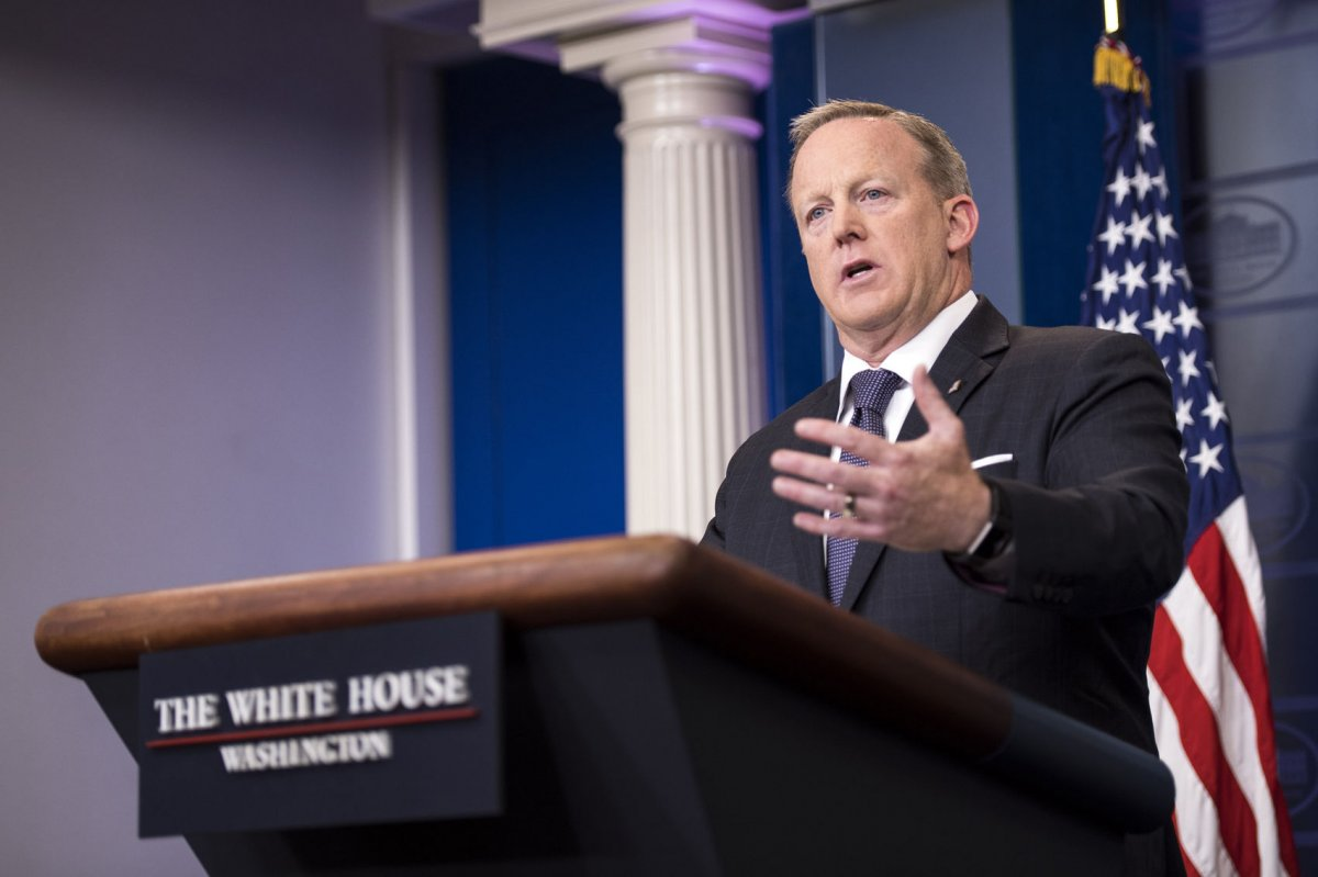 watch live: sean spicer gives daily press briefing - upi