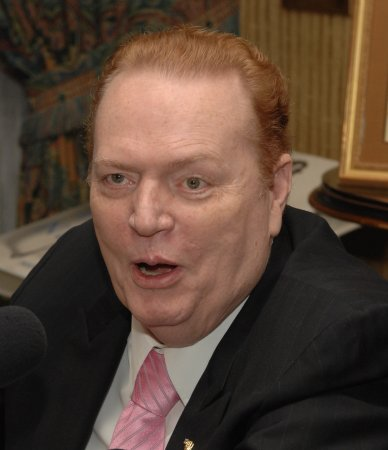 Larry Flynt: Don't execute shooter