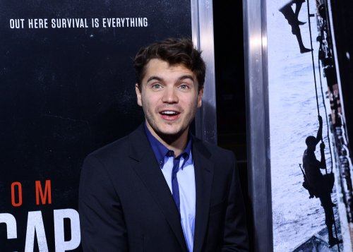 Emile Hirsch names newborn son Valor