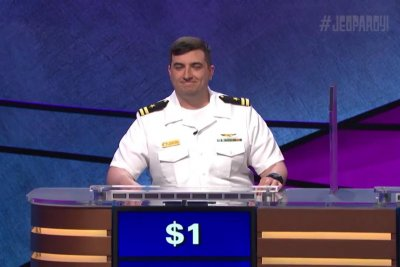 Naval officer wins 'Jeopardy!' with only $1