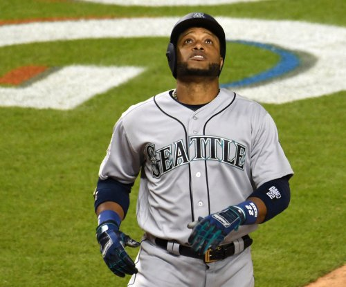 Mariners go for sweep of Rangers