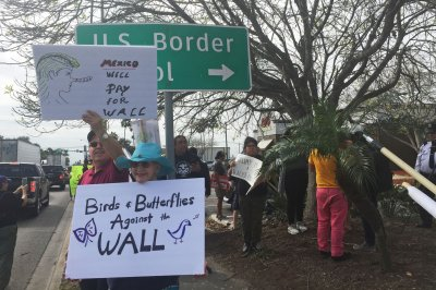 Pelosi, 12 other lawmakers to visit Central America, Texas border town