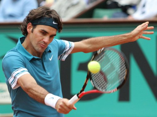 Federer stretches Halle win streak to 28