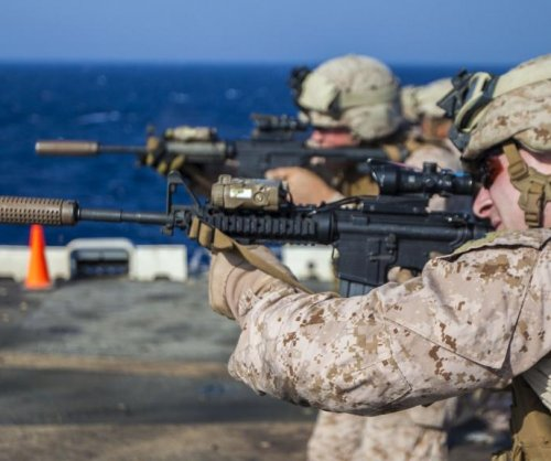 U.S. Marines react to switch from M16 to M4