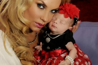 Coco Austin dresses daughter up for holiday photos