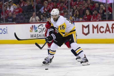 Penguins send Brassard, Sheahan, picks to Panthers