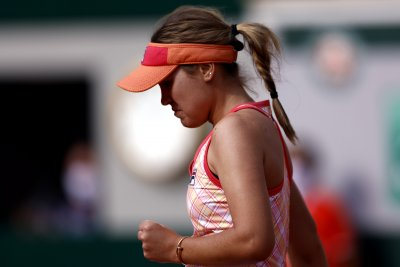 French Open: American Sofia Kenin, Novak Djokovic advance to semifinals