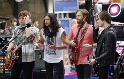 Blur wins award for Glastonbury gig