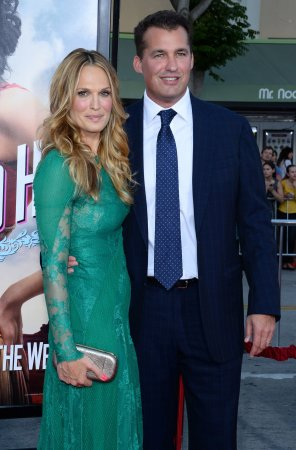 Molly Sims, Scott Stuber expecting second child