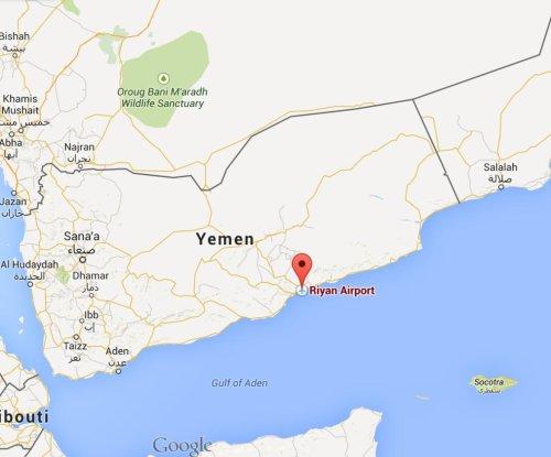 Al-Qaida overtakes southern Yemeni airport, oil terminal