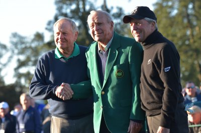 Jack Nicklaus, Gary Player kick off Masters as Arnold Palmer watches