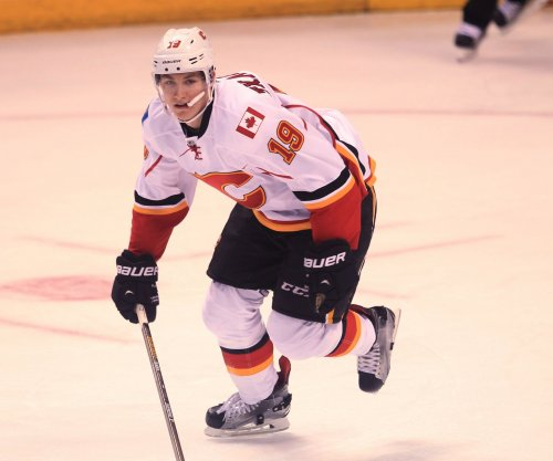 Matthew Tkachuk, Calgary Flames top Philadelphia Flyers